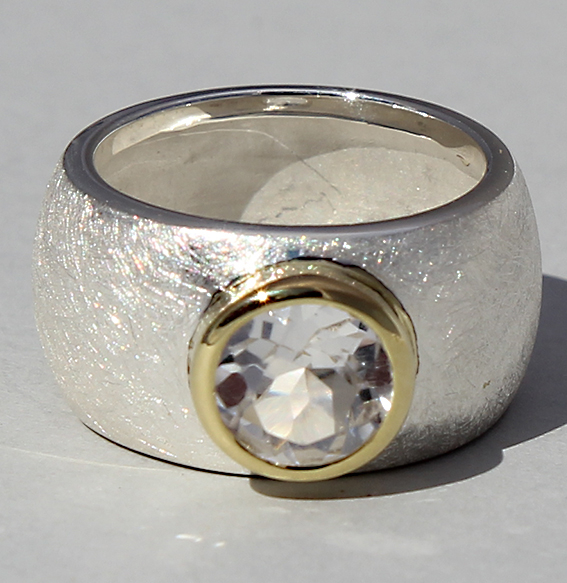 Silberring teilvergoldet mit Bergkristall | Golan rund