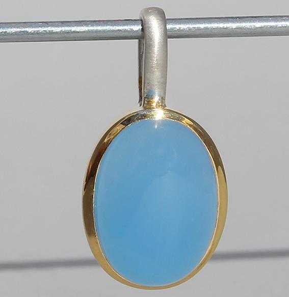 Silberanhänger vergoldet mit Chalcedon