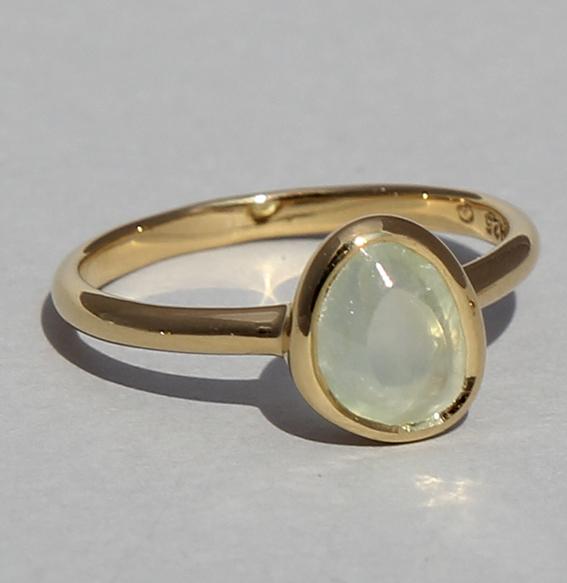 Silberring vergoldet mit Prehnit | fine sparkle