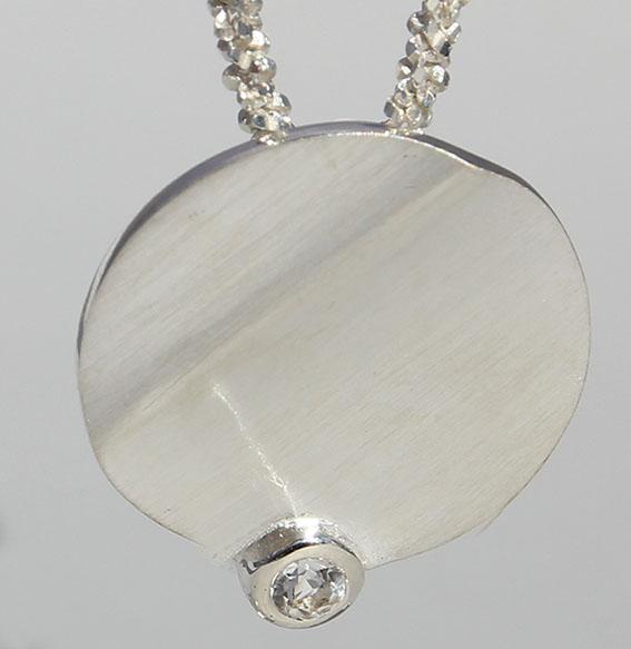 "Silberanhänger ""Tonga"" mit Bergkristall"