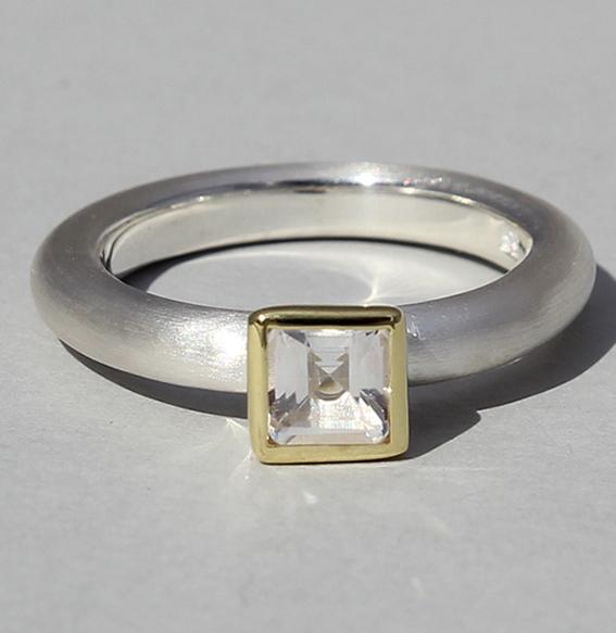 Silberring teilvergoldet mit Bergkristall | Strack big