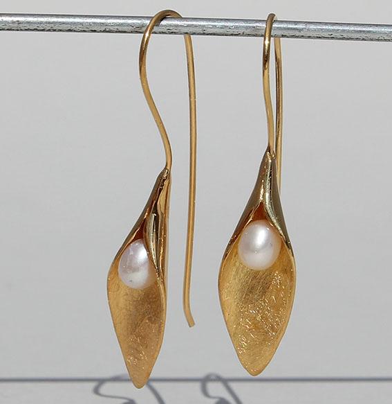 Silberohrhänger mit SWZ Perle (Abb. vergoldet)