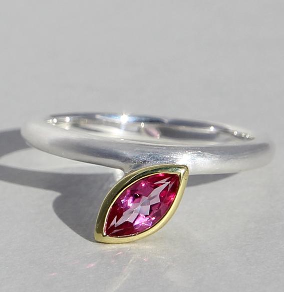 Silberring vergoldet mit pink Topas