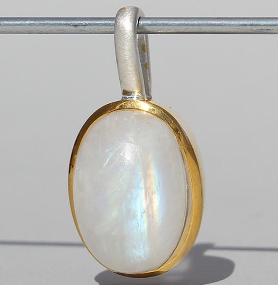 Silberanhänger vergoldet mit Mondstein