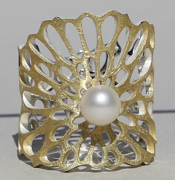 Silberring vergoldet mit SWZ Perle | Lotusblatt