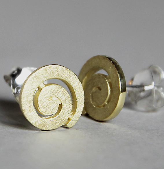 Spiral-Ohrstecker vergoldet | mittel