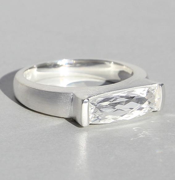Silberring mit Bergkristall