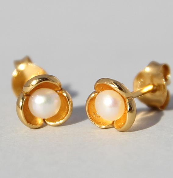Silberohrstecker vergoldet mit SWZ Perle   Perlblüte mini