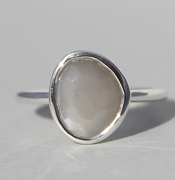 Silberring mit Mondstein grau | Fine sparkle big