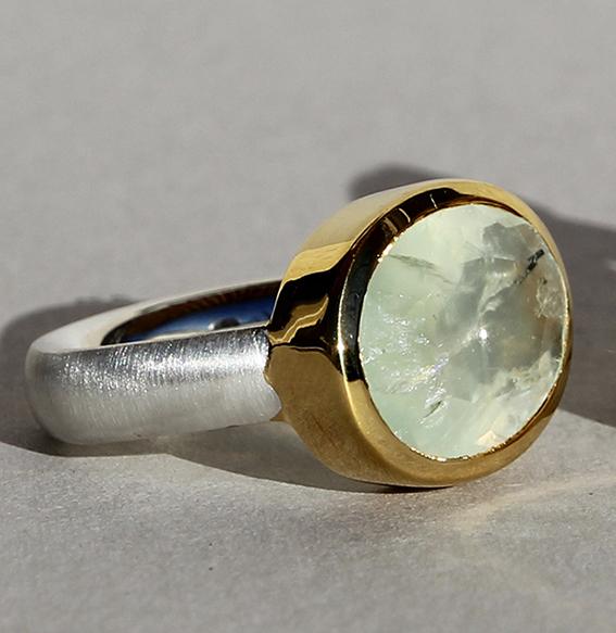 Silberring vergoldet mit Prehnit