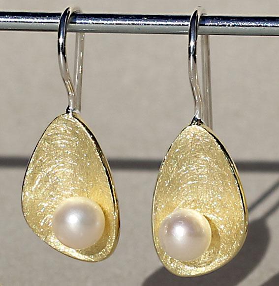 Ohrhänger vergoldet mit SWZ Perle | Lunaris long