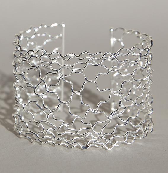 Silberspange geflochten