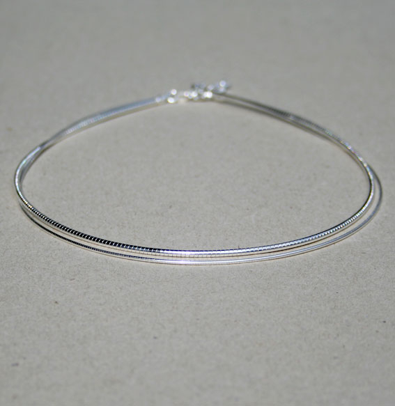 Omega-Halsreif silber rhodiniert | 1,0mm