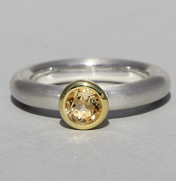 Silberring teilvergoldet mit Citrin | Strack round