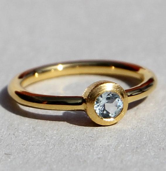 Ring vergoldet -Fine- mit Topas